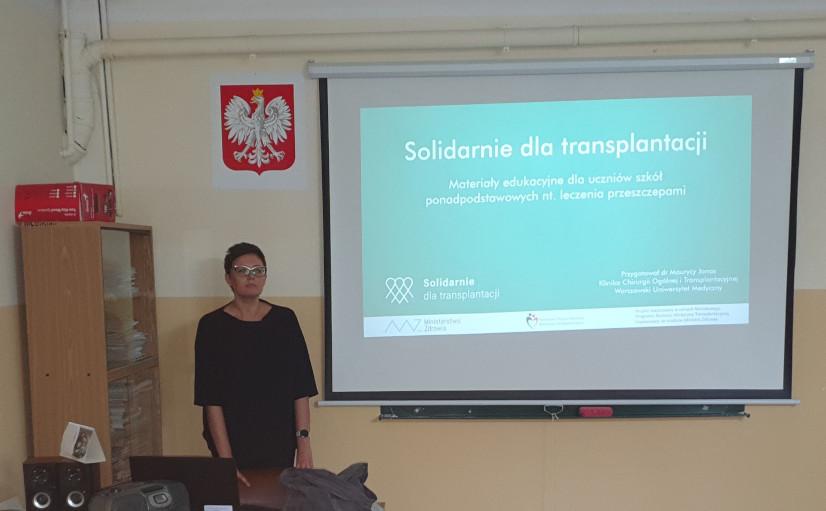Łomża Joanna Szymańska spotkania edukacyjne w szkołach na temat leczenia przeszczepieniem